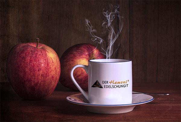 Kaffeetasse mit Kaffee aus Edelschungit-Wasser zubereitet